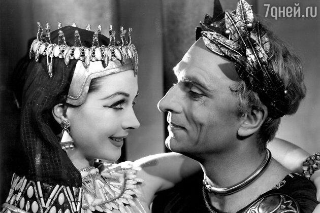 Вивьен Ли и Лоуренс Оливье в фильме «Цезарь и Клеопатра». 1945 г.