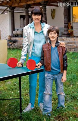 Восьмилетнему Йосе, как и его маме, по душе комфортный стиль casual