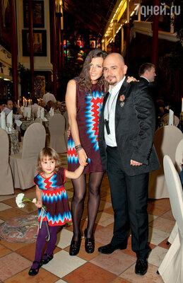 С дочкой Лизой исупругой