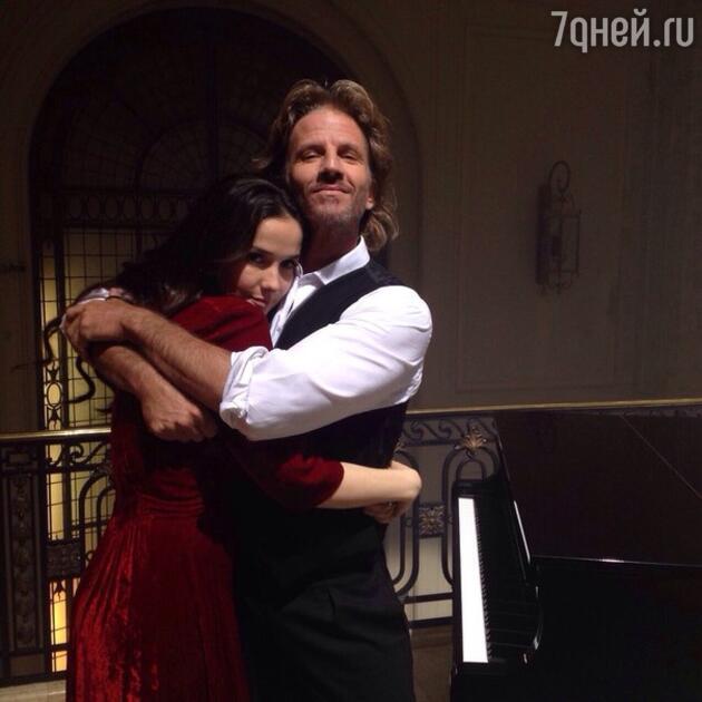 В конце 2014 года Наталья Орейро и Факундо Арана снялись в одном клипе