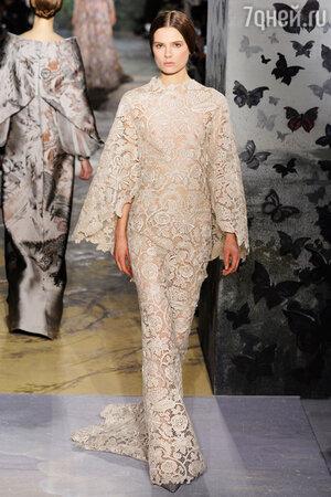 Показ  Valentino на Неделе высокой моды в Париже