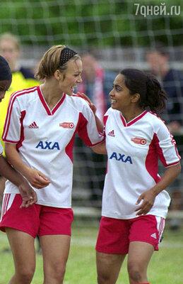 Благодаря фильму «Играй, как Бекхэм» Найтли научилась играть в футбол