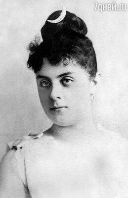Марию Вечеру вместе с принцем Рудольфом обнаружили мертвыми в охотничьем домике в Майерлинге