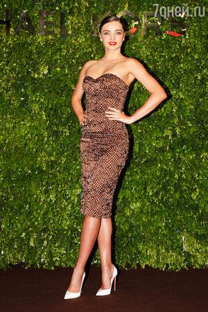 Миранда Керр в платье от Michael Kors
