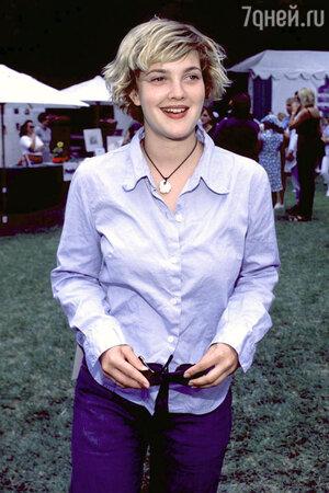 Несмотря на эксцентричные выходки, Дрю Бэрримор считается интересной и способной молодой актрисой