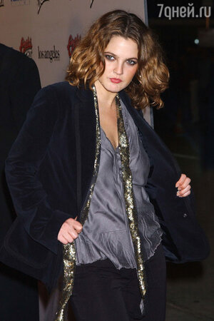 Экстравагантная молодая актриса Дрю Бэрримор в конце 1990-х годов
