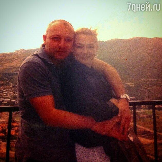 Оксана Акиньшина с возлюбленным