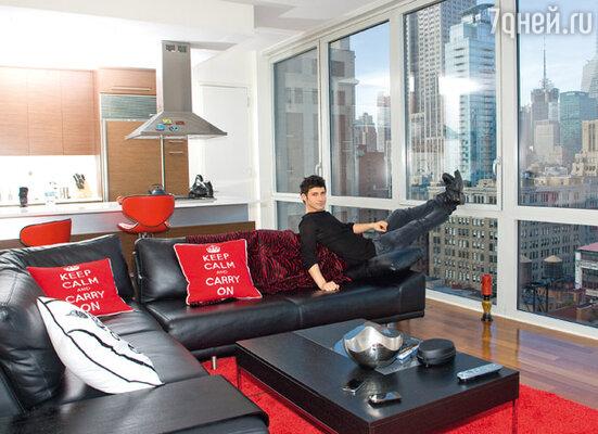 «Квартира у меня по-мужски лаконичная. Если бы я планировал жить тут не один, сделал бы все по-другому, но одному мне здесь очень комфортно»