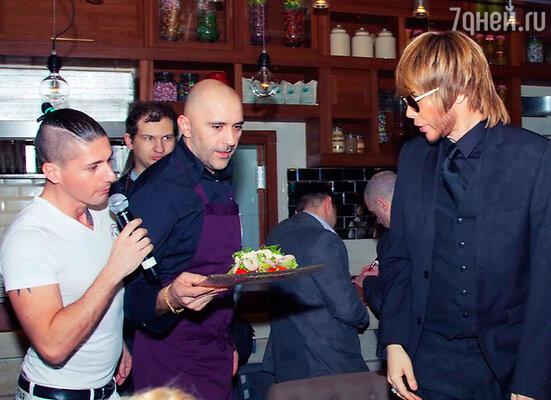 Шеф-повар ресторана Джакомо Ломбарди порадовал селебритиз своим меню