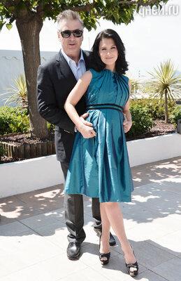 Алек Болдуин с супругой