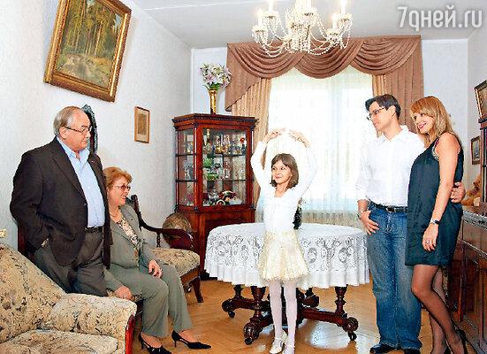 «Третья моя семейная жизнь, в отличие от первых двух, оказалась по-настоящему семейной, не зря же длится уже 34 года»