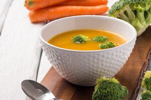 Крем-суп из цветной капусты с зеленью: рецепт от певицы Саши Поповой