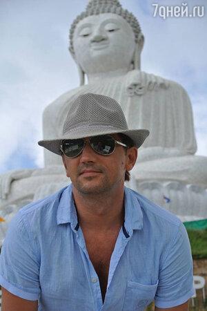 Певец Николай Тимофеев любит проводить свой отпуск на острове Пхукет в Таиланде