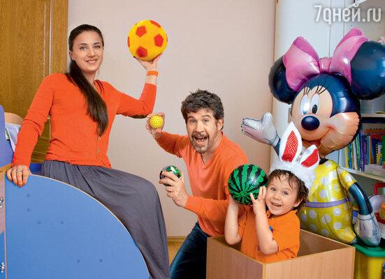С женой Анной и сыном Кузьмой