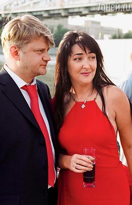Александр Зарубин поддержал Лолиту в очень тяжелый для нее период