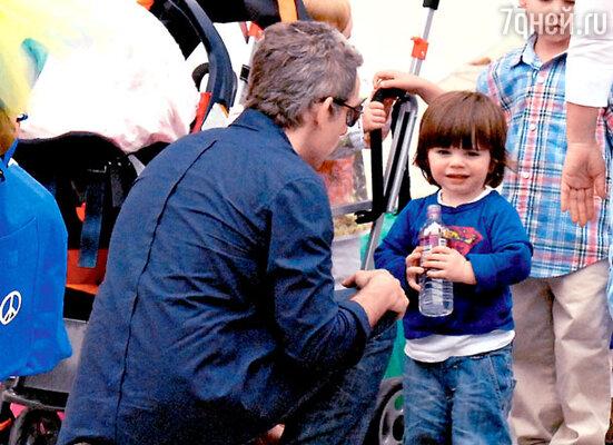 Бен с сыном Куинлином Демпси. Малибу, апрель 2007 г.