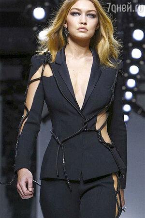 Показ Versace. Джиджи Хадид