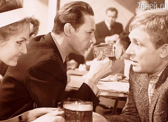 Олег Ефремов с Иннокентием Смоктуновским. «Берегись автомобиля», 1966 г.