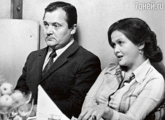 С Натальей Гундаревой в фильме «Уходя — уходи». 1978 г.