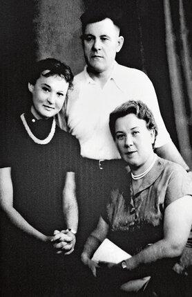 Людмила Гурченко с родителями Еленой Александровной и Марком Гавриловичем