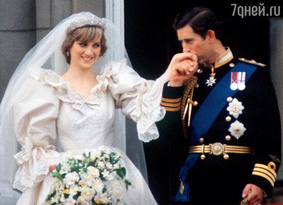 Говорят, кандидатуру Дианы как будущей супруги Чарльза Камилла одобрила. 1981 г.