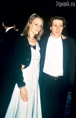 Ума Турман с мужем Гэри Олдмэном. 1991 г.