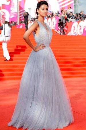 Равшана Куркова в платье от Bohemique
