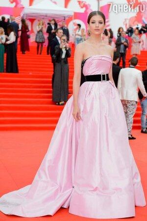 Анна Чиповская в платье от Bohemique