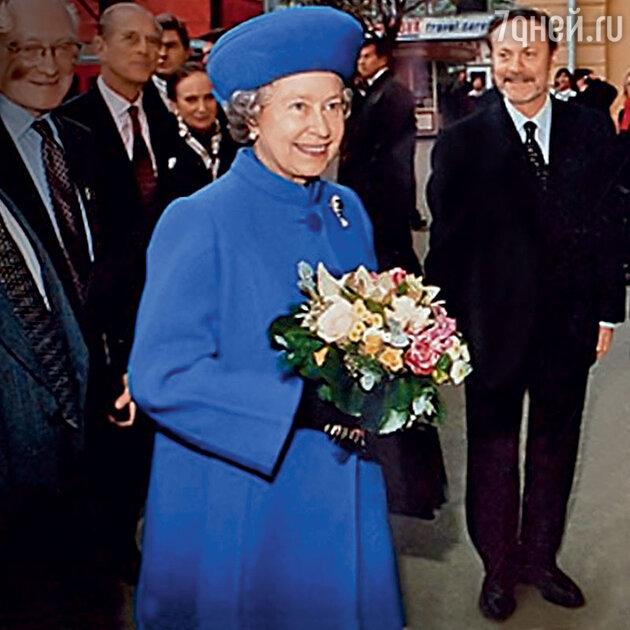 Юрий Соломин и Елизавета II