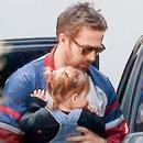 Райан Гослинг с дочкой