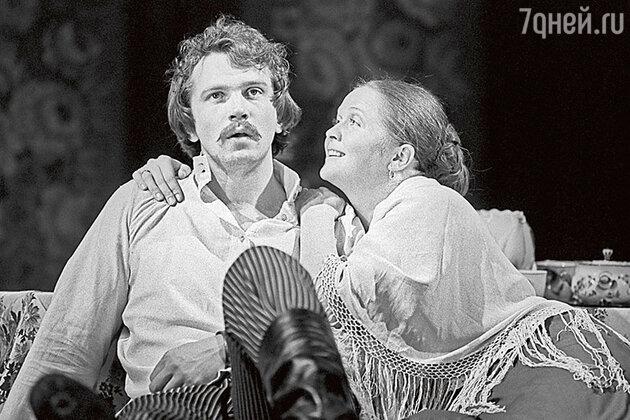 Наталья Гундарева с Виктором Корешковым в спектакле «Леди Макбет Мценского уезда». 1979 г.