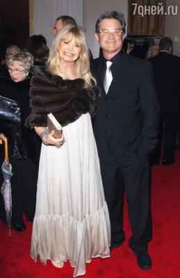 Родители актрисы Голди Хоун и Курт Расселл счастливы вместе уже 27 лет! Январь 2010 г.