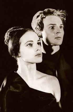 В Сашу Власова, ведущего танцовщика Большого театра, я влюбилась с первого взгляда