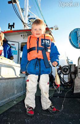 Будущий рыбак (норвежцы берут с собой в море даже самых маленьких)