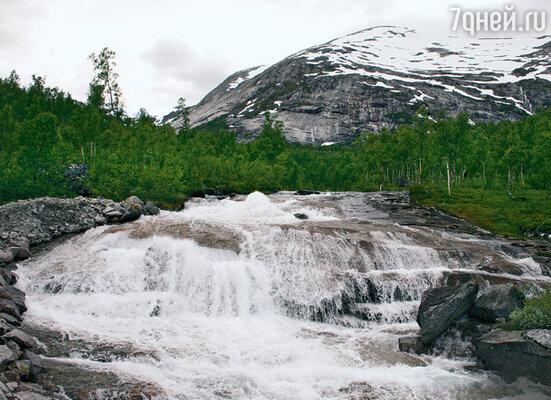 В краю саамов, округе Стейген, с гор текут сотни рек и ручьев с ледяной и кристально чистой водой