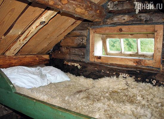 После тяжелого трудового дня на таких нарах норвежский рыбак мог отдохнуть, укрывшись овечьей шкурой