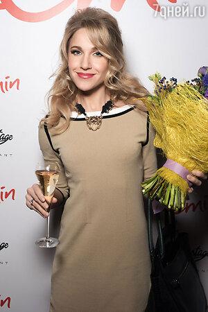 Юлия Ковальчук на презентации  альбома EMIN'а