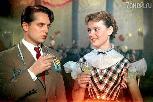 Юрий Белов и Людмила Гурченко  в фильме «Карнавальная ночь». 1956 год.