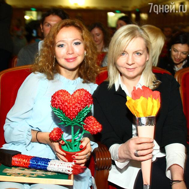 Елена Захарова, Виктория Андреянова