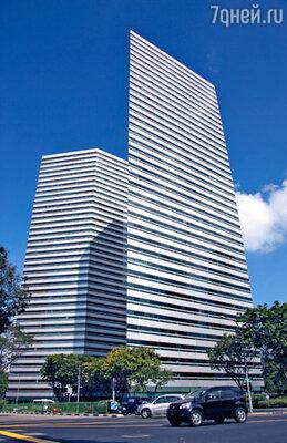 Лучшие современные архитекторы мира воплотили здесь в жизнь свои самые смелые проекты. Эти здания треугольного сечения на самом деле абсолютно одинаковые