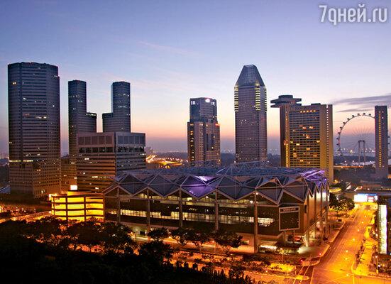 Из-за дефицита земли Сингапур растет ввысь. Под стать городу и колесо обозрения — самое большое в мире
