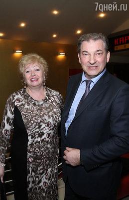 Владислав Третьяк с супругой