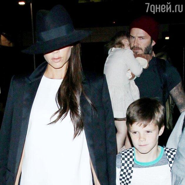 Дэвид и Виктория с детьми