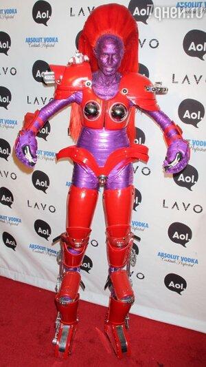 В 2008 году Хайди Клум блистала на красной дорожке в костюме трансформера