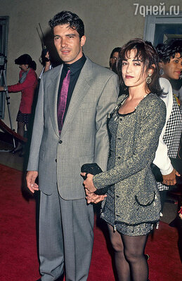 Антонио Бандерас с первой супругой — испанской актрисой Аной Лесой. 1992 г.