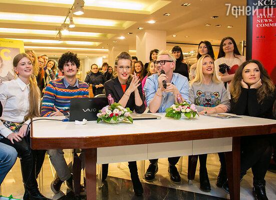 Но главным событием вечера стал «круглый стол» с участием Ксении Собчак, во время которого модная редакция журнала выбирала победительницу конкурсов