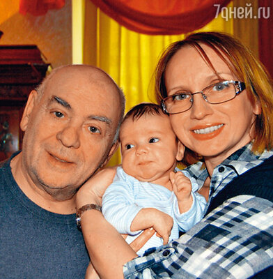 Анатолий Равикович и Ирина Мазуркевич с внуком Матвеем