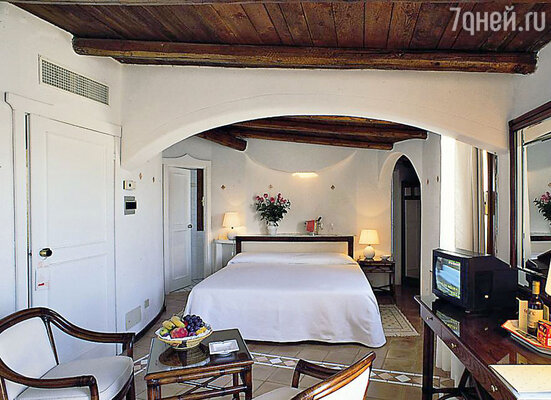 «Club Hotel» в Байа Сардиния