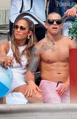 Дженнифер Лопес с Каспером Смартом на отдыхе вЛас-Вегасе