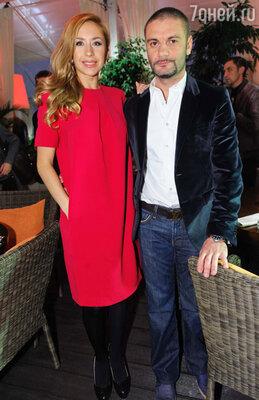 Анастасия Гребенкина с супругом Юрием